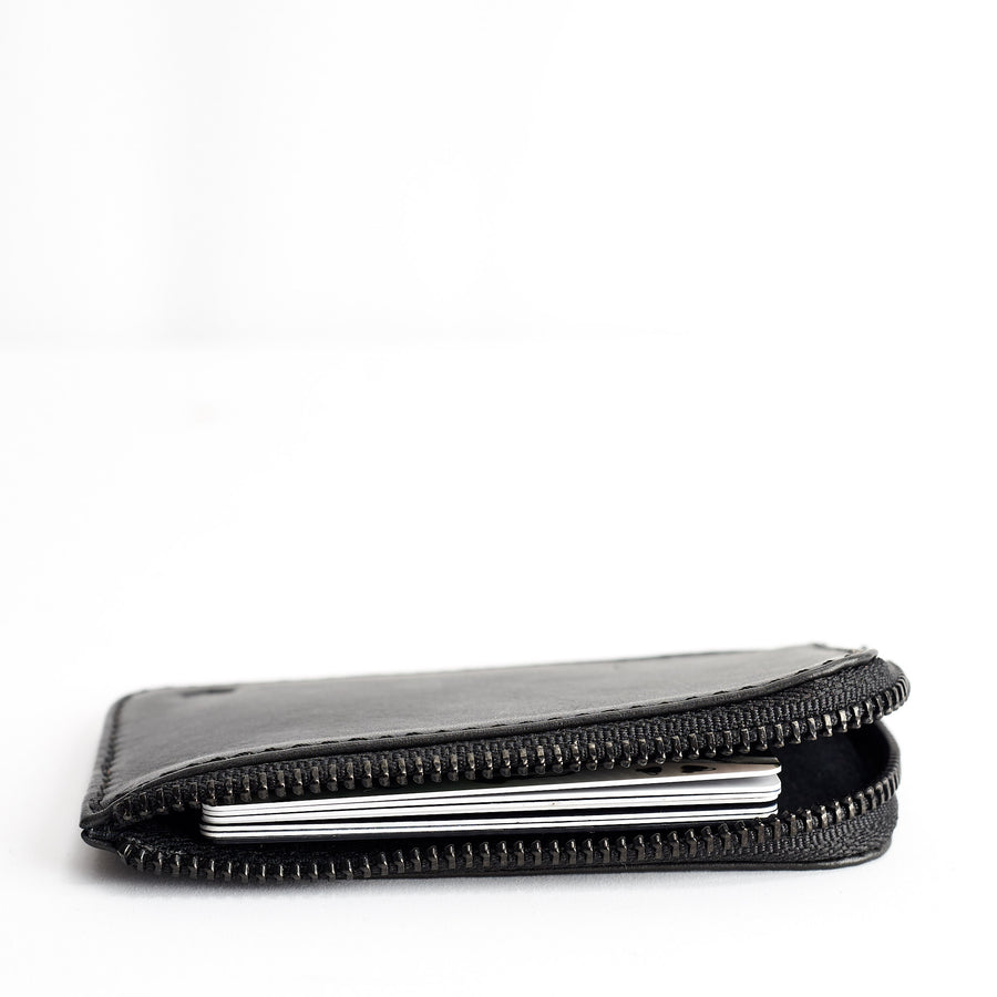 ZIP CARD HOLDER // BLACK