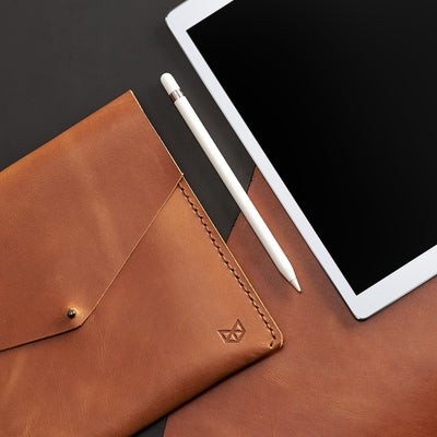 New iPad 9.7 inch bag. Light brown leather sleeve for iPad pro. Case for iPad Pro 10.5 inch 12.9 inch. Mens gifts
