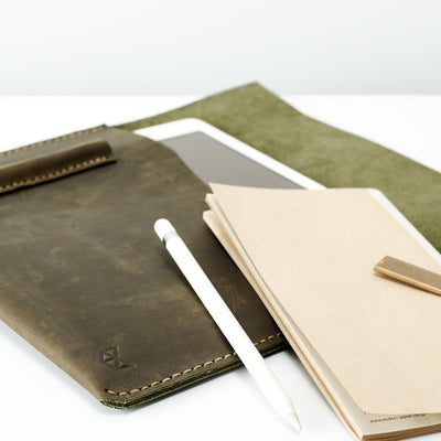 Style. Green iPad pro leather sleeve with apple pencil holder