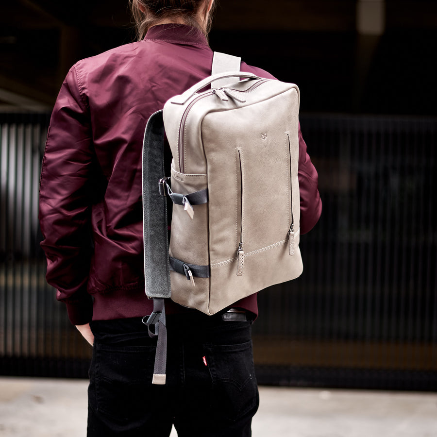 TAMARAO BACKPACK · GRAVEL GREY