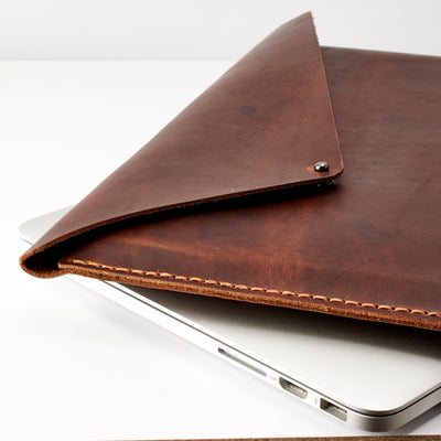 Style. Tan brown Macbook Pro Touch bar sleeve. Mens leather folio. Custom case for mens gifts