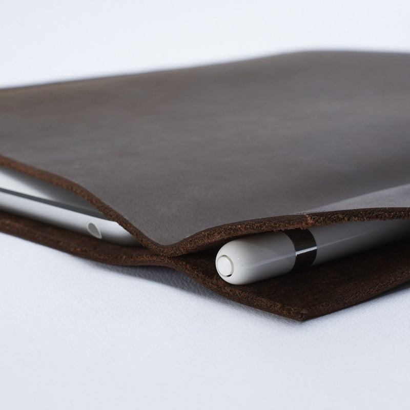 Marron Pixelbook Chromebook leather sleeve with  pencil holder
