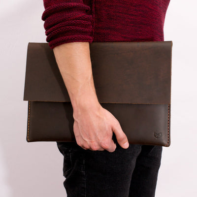 "Carrying the new Google Pixelbook laptop"" leather sleeve"