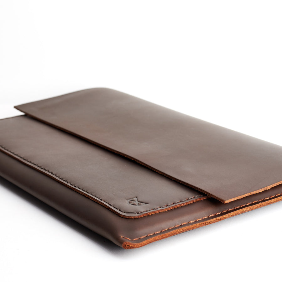 Postman MacBook Pro Case · Marron