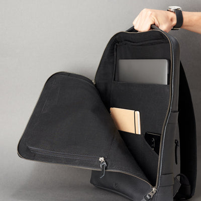 Discreet tech essentials organizer closed. Everyday use commuter bag by Capra Leather.