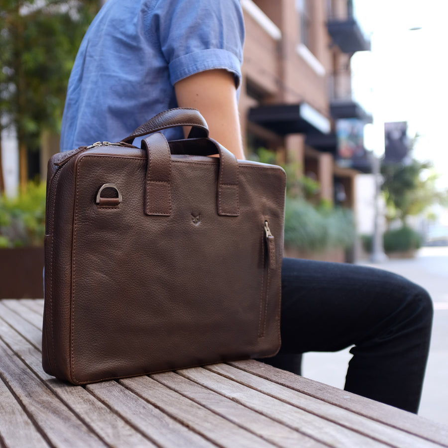 ROKO BRIEFCASE // DARK BROWN