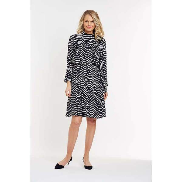 Fluid Dress in Abstract Print. - Black Cbo - Dress