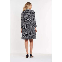 Fluid Dress in Abstract Print. - Dress