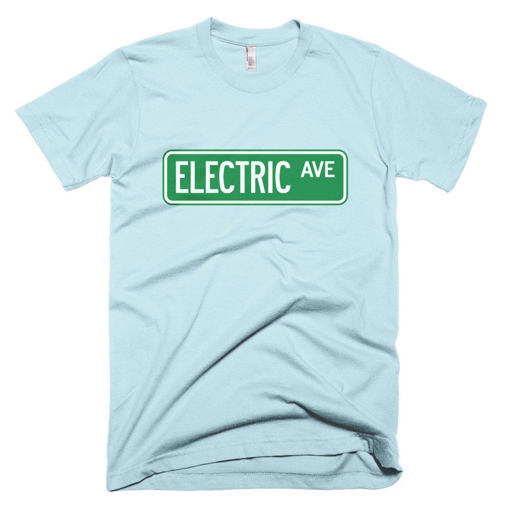 T-shirt Electric AVE- White-recharge_résidentielle-boutique_ChargeHub-Québec_Canada