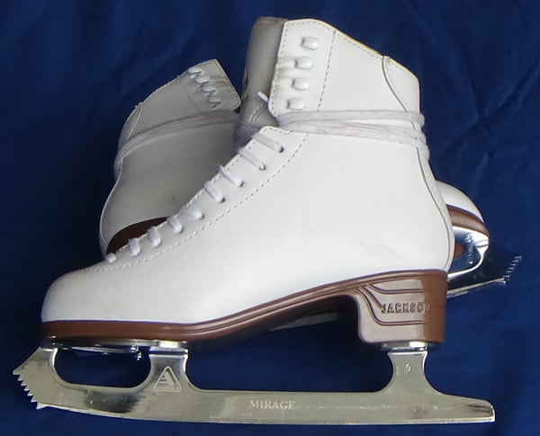 Jackson Ultima Classique JS1990 Figure Skates - One Time Used - Size 4