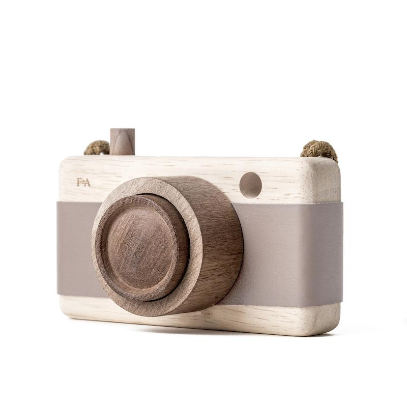 Wooden Camera - Cats Paw Pink-Fanny & Alexander-BoNordic