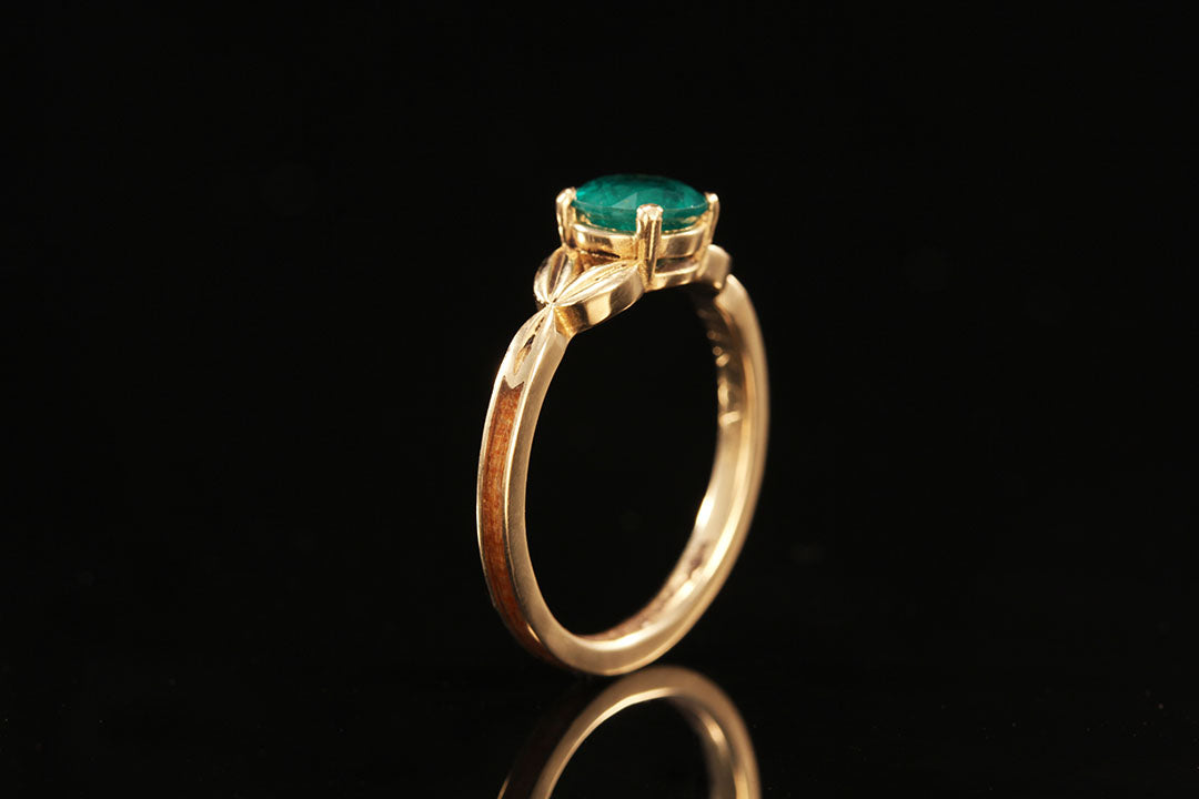 EMERALD STONE 14K YELLOW GOLD WOOD AND LEAF RING