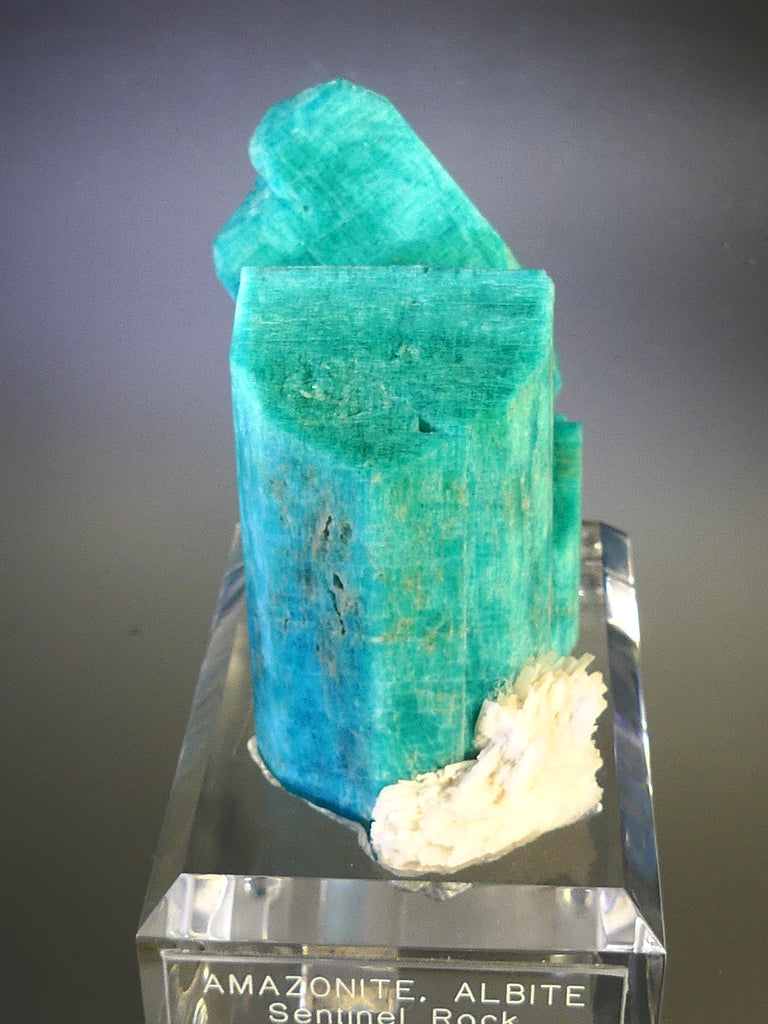 Microcline v. Amazonite