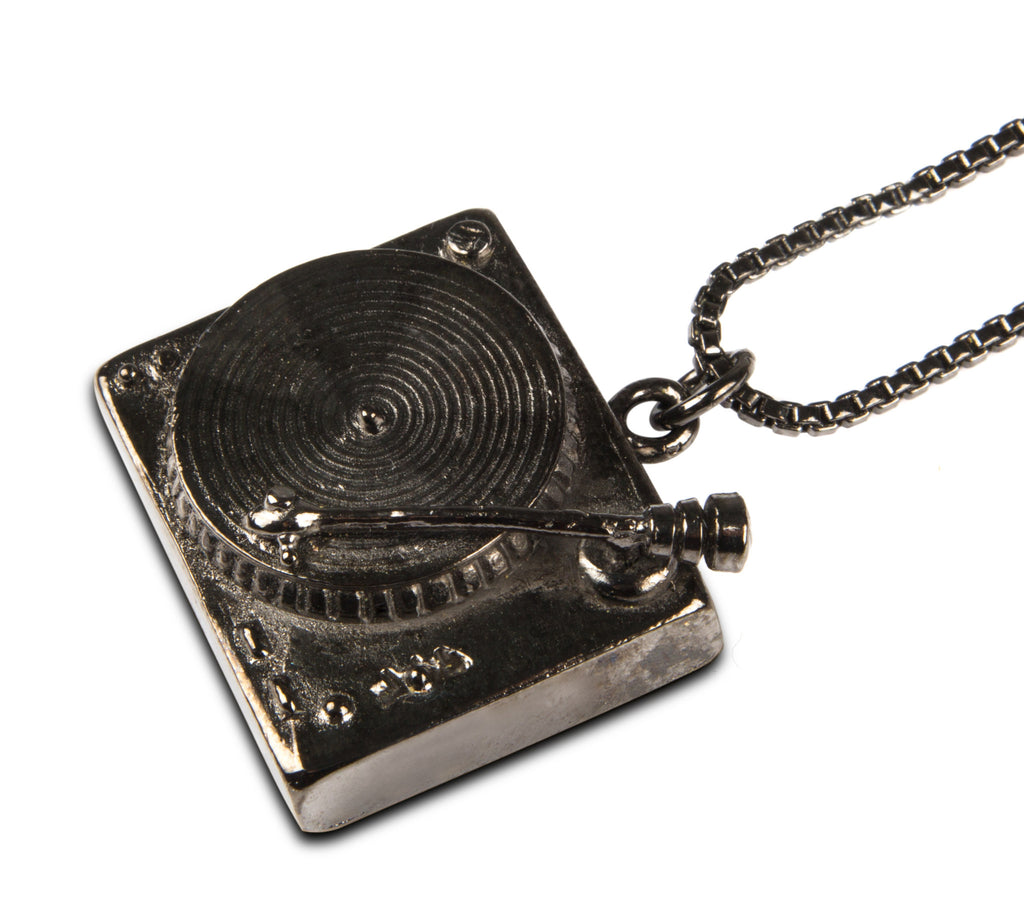 Turntable Necklace with box chain