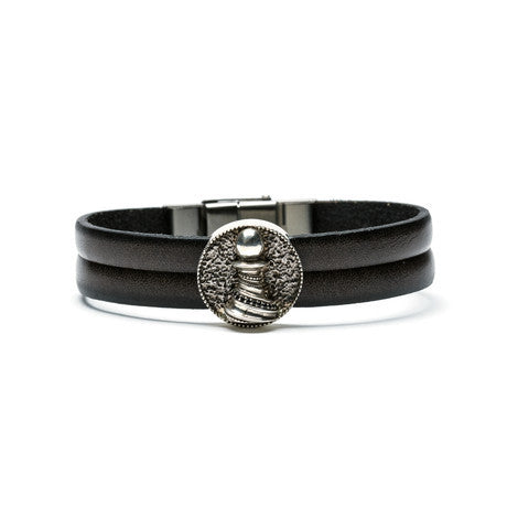 Pawn Medallion & Leather Bracelet - The Stylish Man