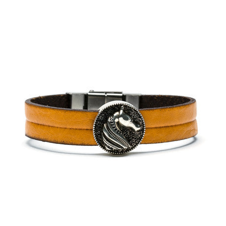 Knight Medallion & Leather Bracelet - The Stylish Man