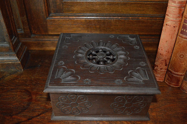 Vintage French Carved Wood Breton Jewelry Storage Box - Antique Flea Finds - 4