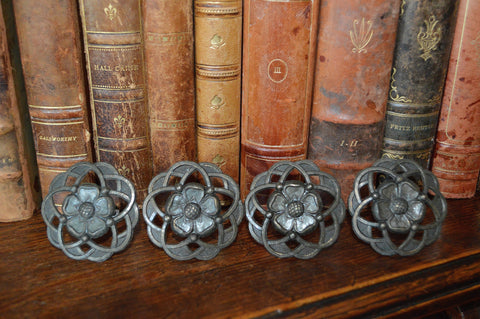 Vintage English Set of 4 Large Brass Floral Knobs - Antique Flea Finds - 1