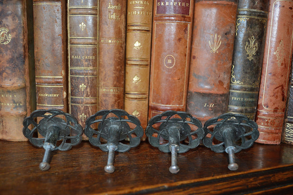 Vintage English Set of 4 Large Brass Floral Knobs - Antique Flea Finds - 2