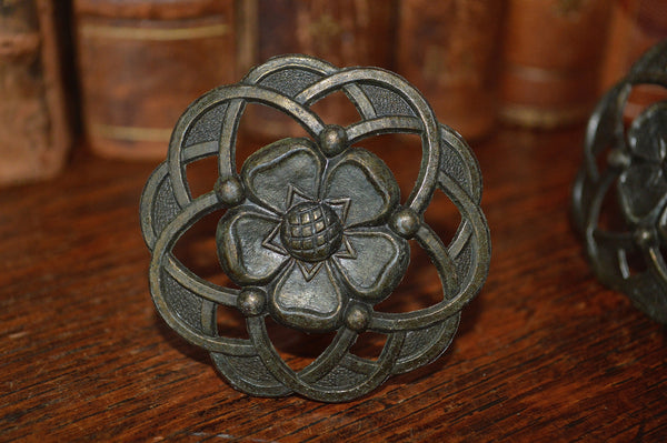 Vintage English Set of 4 Large Brass Floral Knobs - Antique Flea Finds - 3