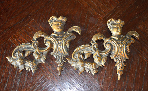 Antique Frenchman Pediment Bronze Renaissance Mount Hardware - Antique Flea Finds - 4