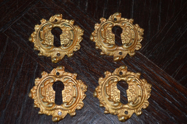 Antique French Escutcheon Keyhole Gilt Bronze Ormolu Acanthus Scrolls - Antique Flea Finds - 3