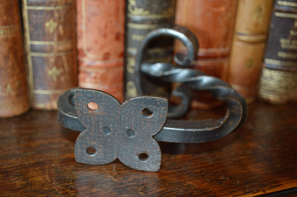Vintage French Cast Iron Twist Hook Hardware - Antique Flea Finds - 3