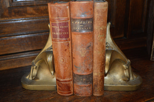 Vintage Pair Book Ends Heavy Brass Finish Fleur de Lis Bookends - Antique Flea Finds - 1