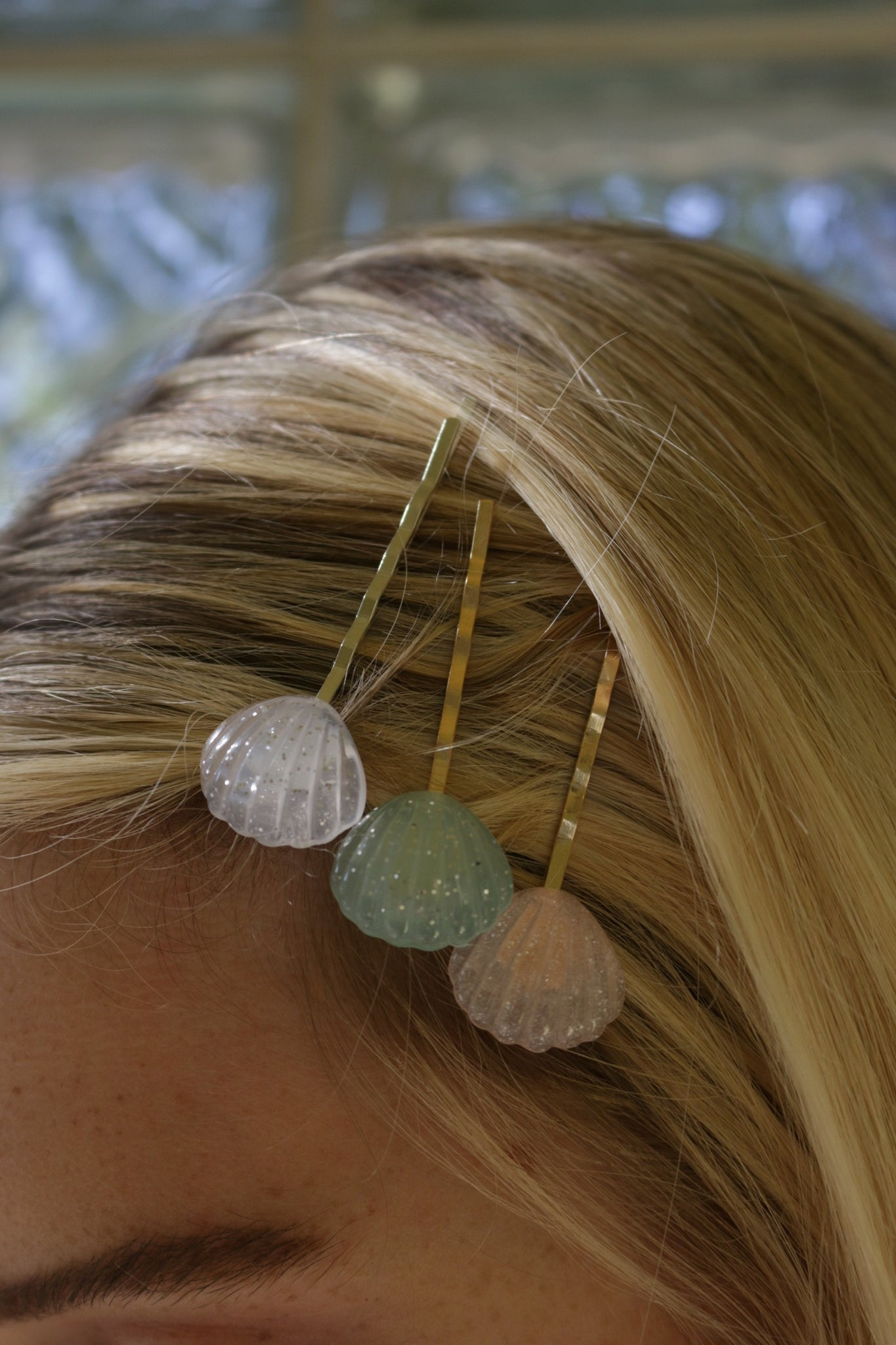 Sparkle Shell Bobby Pin Set