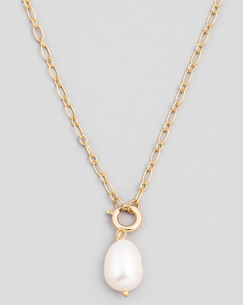 Gold Loren Pearl Necklace