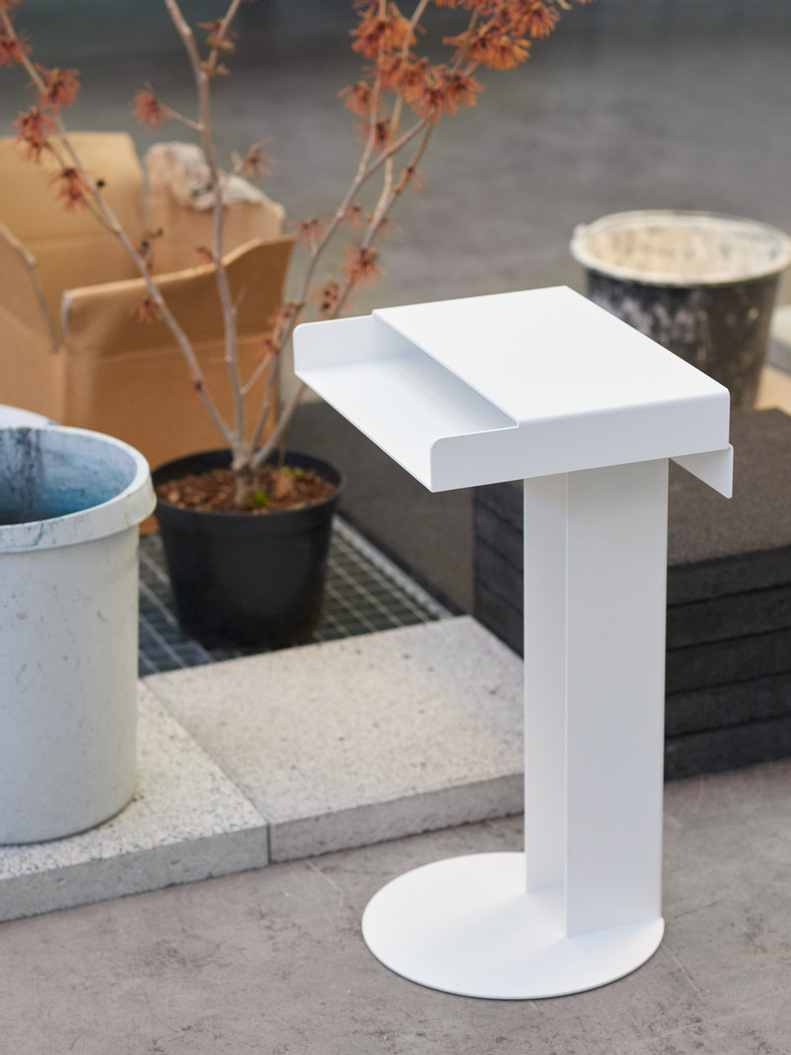 Meta Side Table — Light Grey-New Tendency-Light Grey-Average