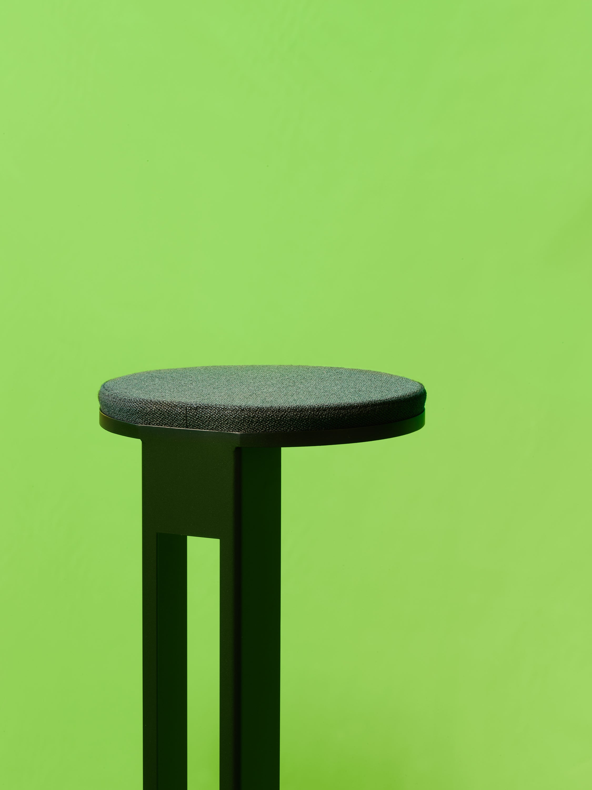 Atlas Stool — Black-New Tendency-70cm-Average