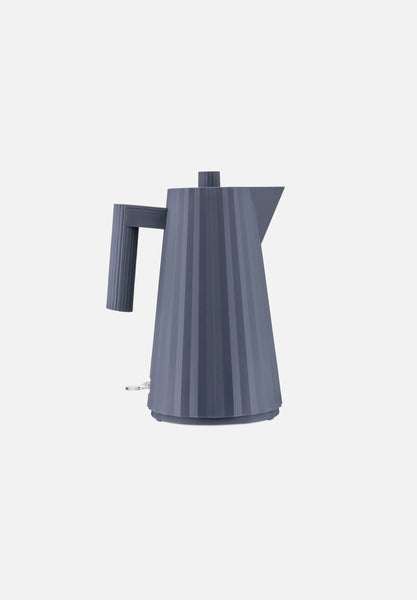 Plissé Electric Kettle — Grey