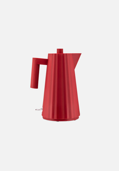 Plissé Electric Kettle — Red
