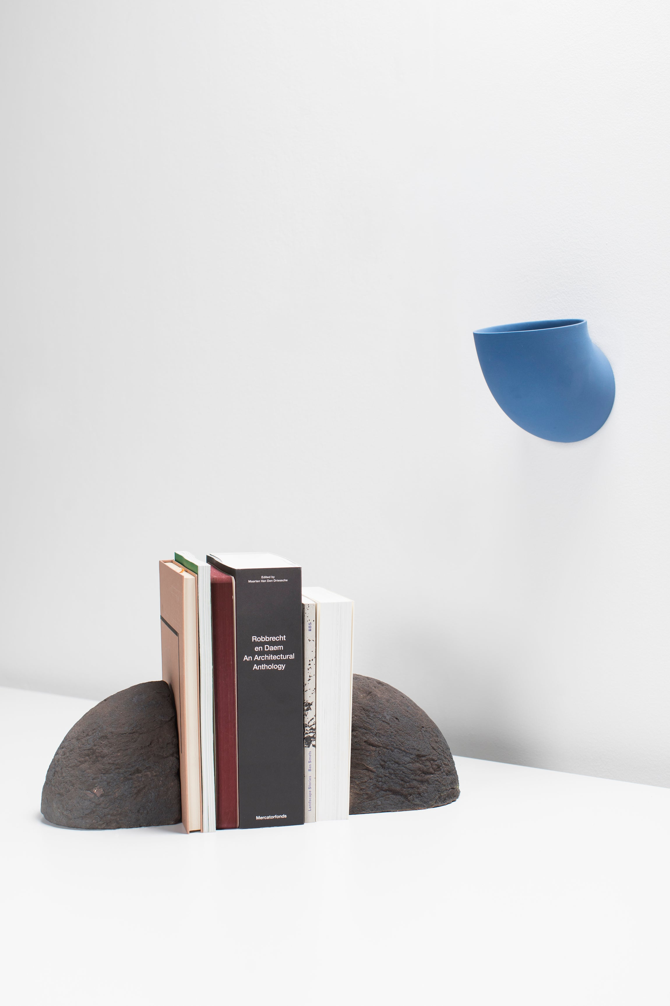 Brick Bookend — Black