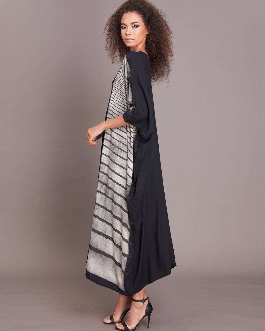 Women Black Border Stripe V Neck Kaftan - Roses & Rhinos