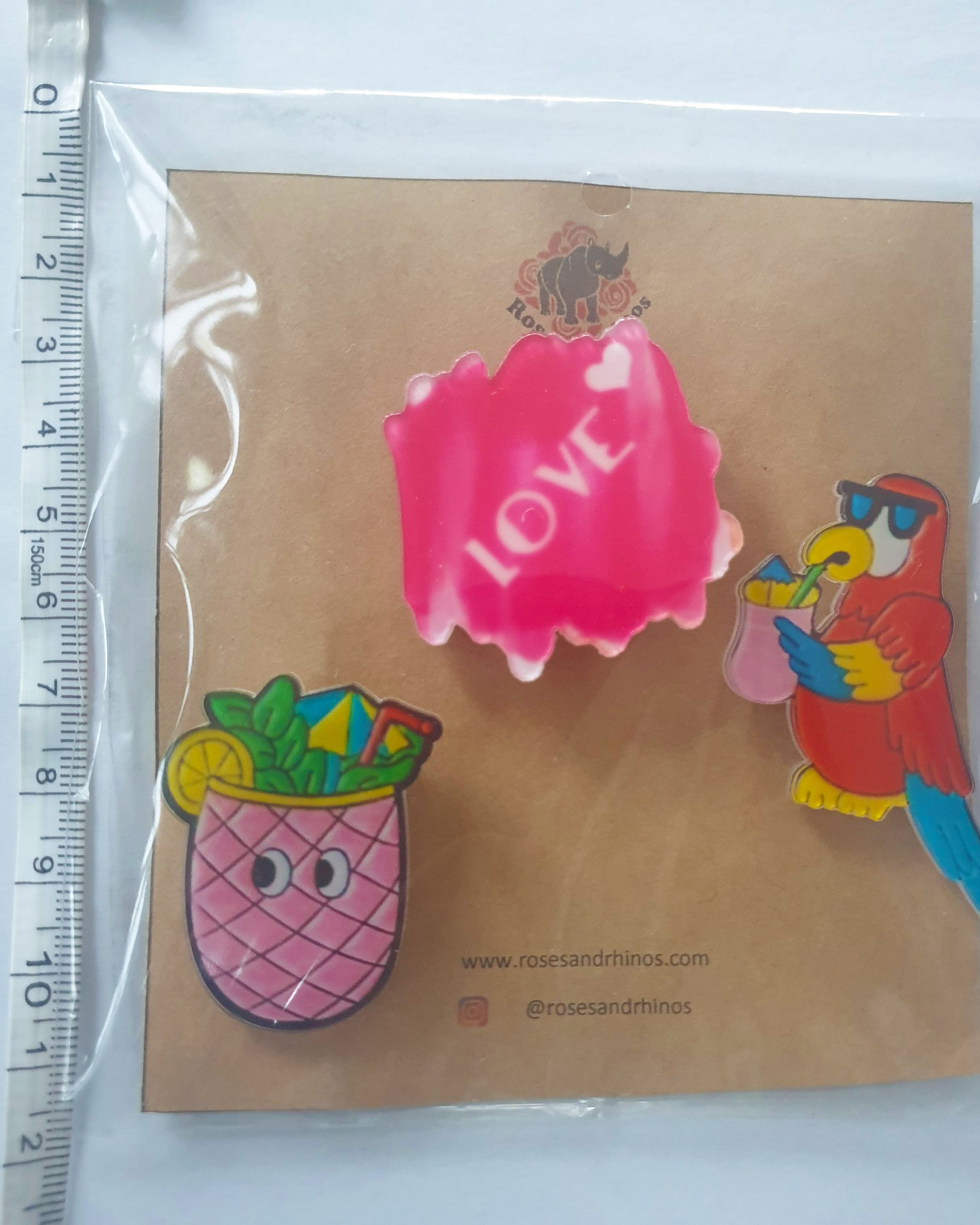 Parrot Love x 3 Pin - Roses & Rhinos