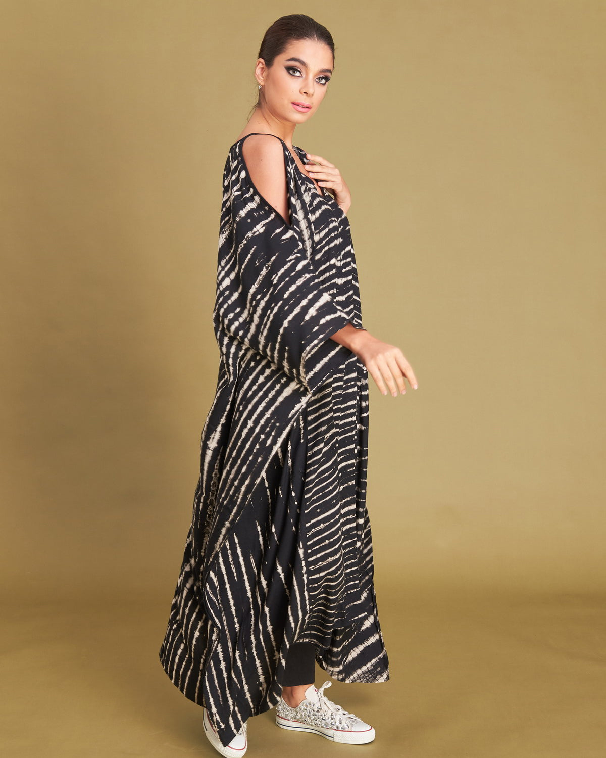 Women Shoulder Zig Kaftan