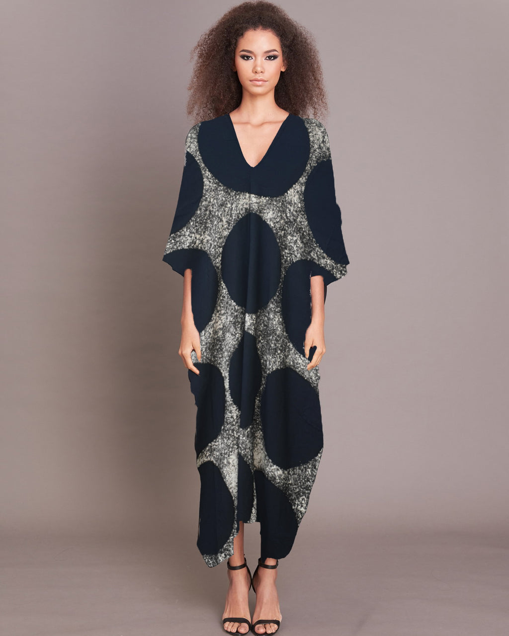 Women Black Circle  V Neck Kaftan - Roses & Rhinos