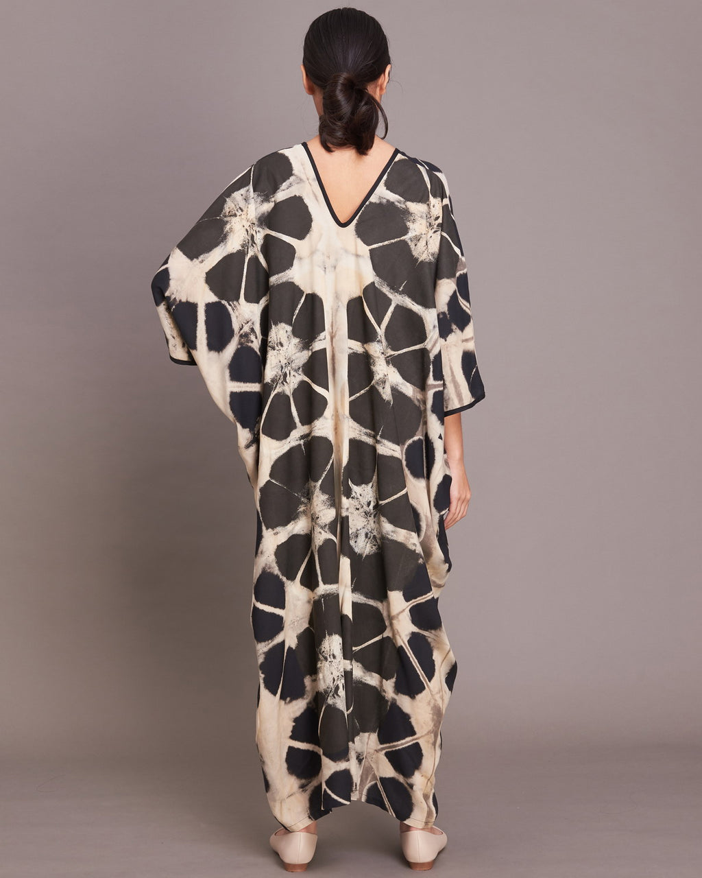 Women Flower V Neck Kaftan - Roses & Rhinos
