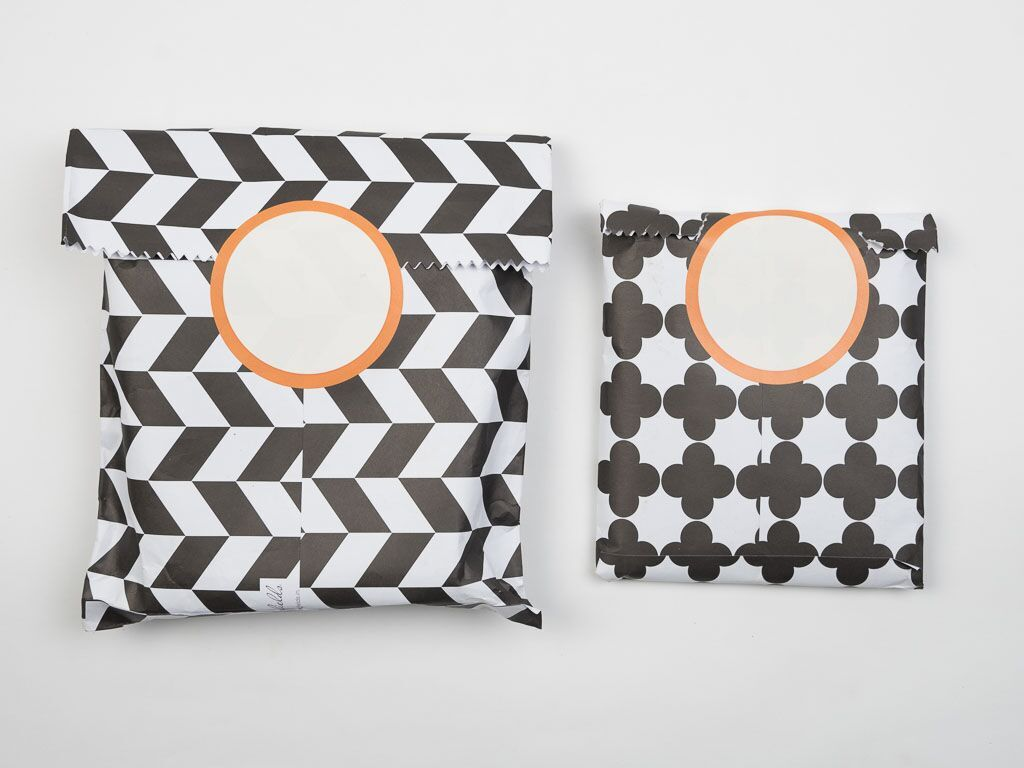 Black & White Gift Envelopes