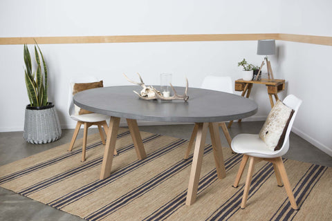 Concrete Design House Aurora: Oval Concrete Dining Table