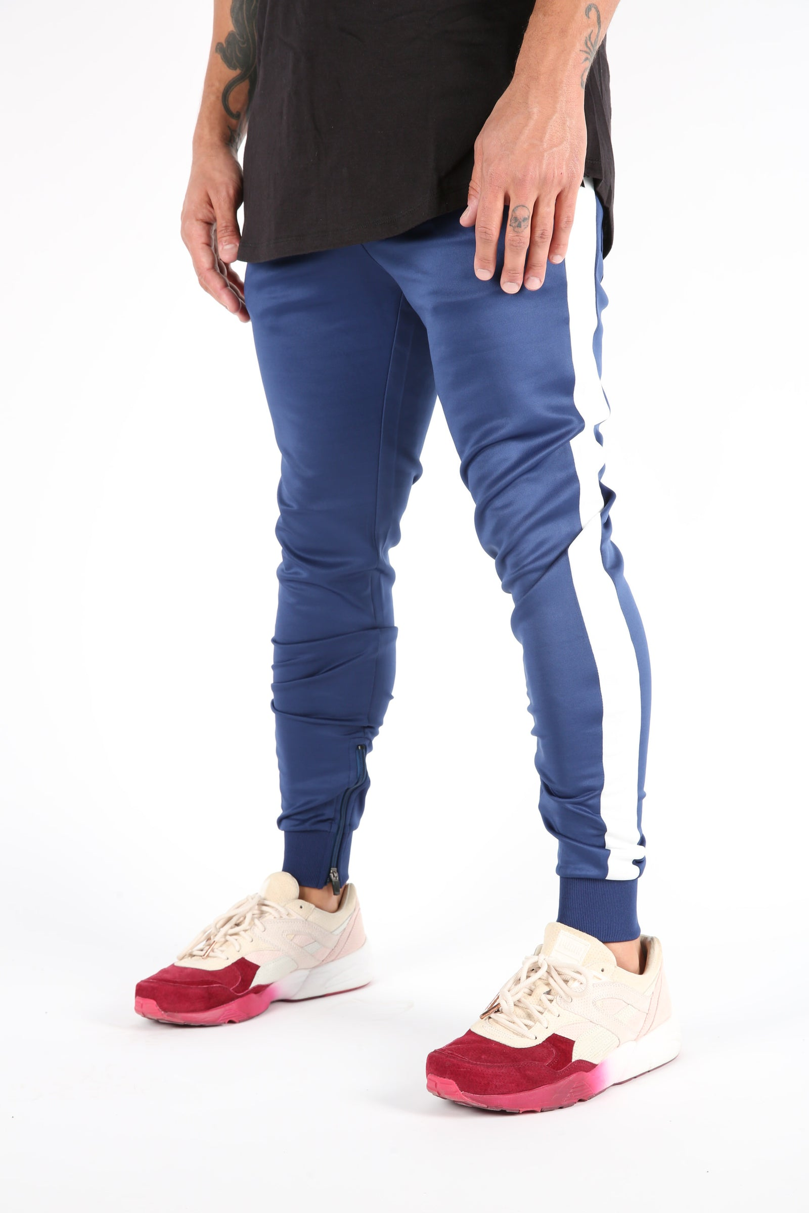 The Gunnar Track Pants in Navy