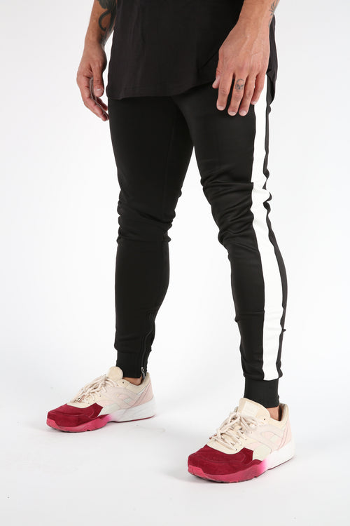 The Gunnar Track Pants in Black