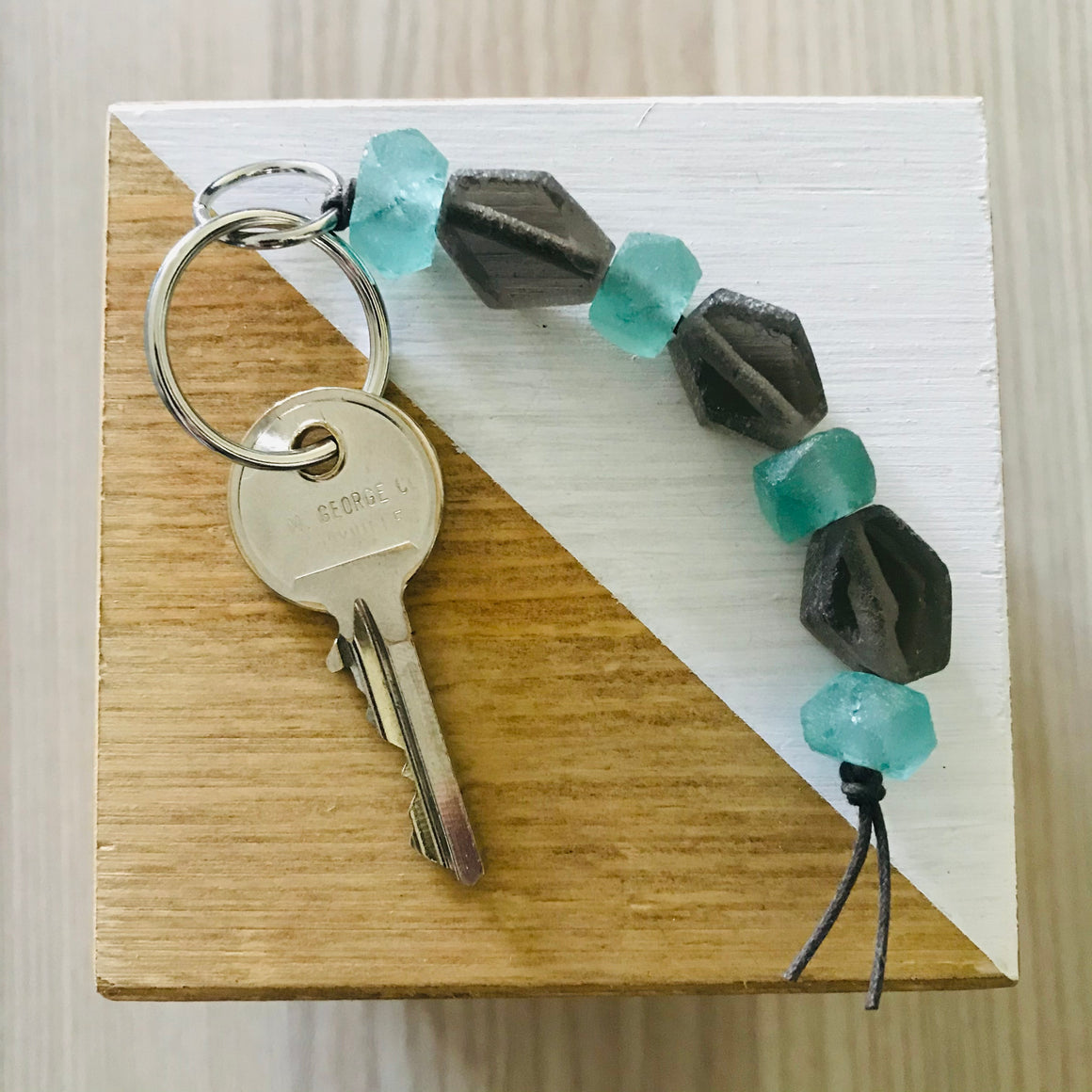 Ghana/Indonesia: Keychain - Glass Beads