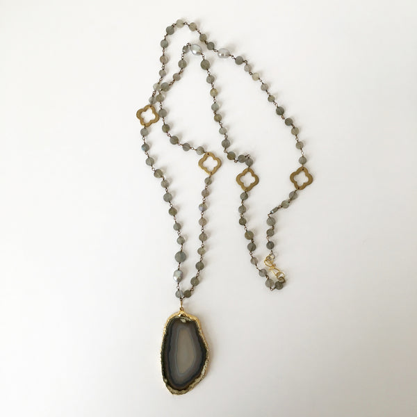Gold Rimmed Agate Slice on Gem Chain Necklace