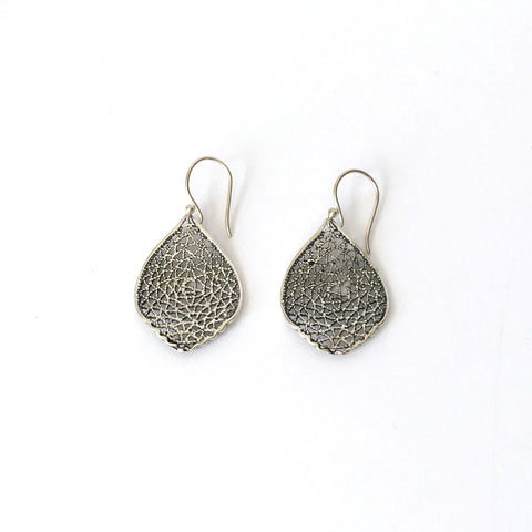 Medium Silver Filigree Ripple Leaf Earrings