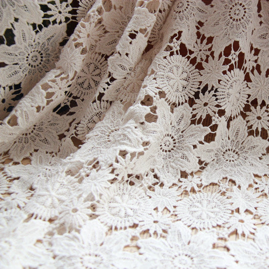125cm Width Vintage Hollow-out Floral Embroidery Lace Fabric by the Yard