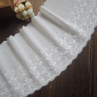 2 Yards of 18cm Width Vintage Cotton Embroidery Eyelet Lace Fabric Trim
