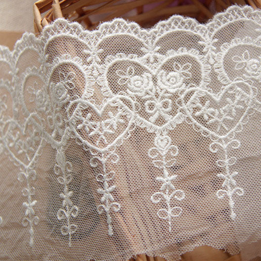 3 Yards of 10cm Width Flor Rose and Heart Shape Embroidery Lace Trim